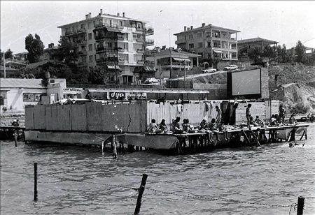 Bostancı - 1970 Başları, önde plaj arkada açık yazlık sinema