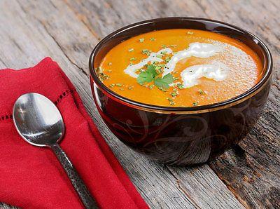 In wenigen Minuten steht die indische Variante der Tomatensuppe auf dem Tisch. (© Thinkstock via The Digitale)
