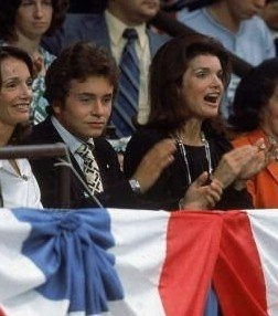Lee and Anthony Radziwill, with Jackie Onassis at the 1976 Democratic National Convention.