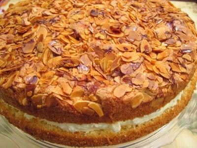 carolynn's recipe box: Bienenstich (a.k.a. German Bee Sting Cake)