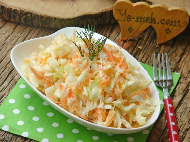 Kıvamını tutturun, sofrada kimsenin gözü ana yemeği görmez... Herkes tabaklarını bu salataya uzatır bizden söylemesi... Harika bir salata tarifi...