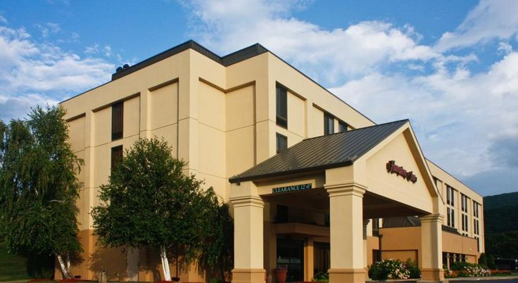 Hampton Inn Fishkill Fishkill This hotel with view of the Hudson Valley is located in Fishkill, New York, just off Interstate 84. The hotel offers an indoor swimming pool, hot daily breakfast and free WiFi in every guest room.