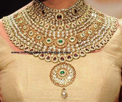 Buy Gold Necklace Online