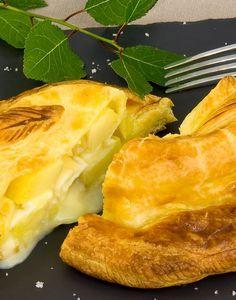 Camembert with apples & puff pastry - feuilleté Camembert de Normandie AOP aux pommes