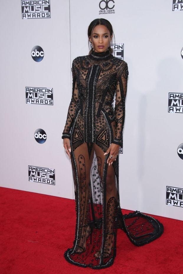 American Music Awards 2015: Se alle de smukke kjoler fra den røde løber | ELLE