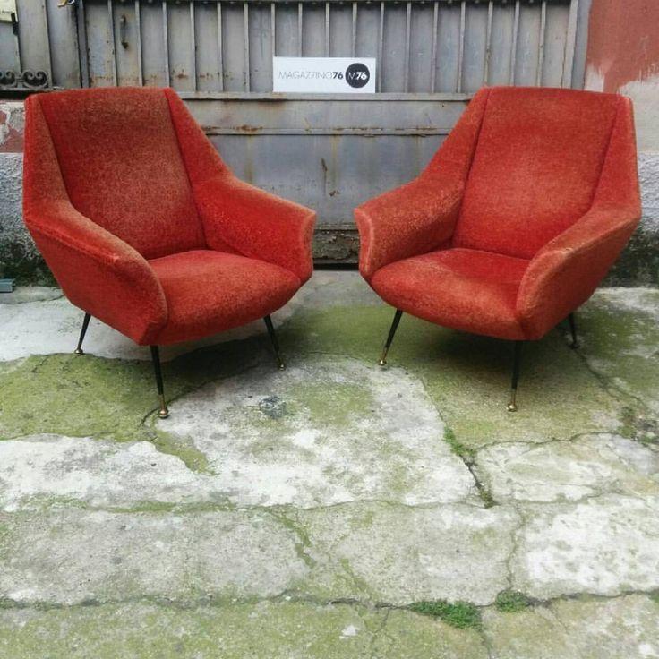 Coppia di poltrone Minotti anni 50 tessuto d'epoca conservato molto bene con imbottitura buona. Misure in cm: 80x80x90h. #magazzino76 #viapadova #Milano #nolo #viapadova76 #M76 #modernariato #vintage #industrialdesign #industrial #industriale #furnituredesign #furniture #mobili #antik #antiquariato #rattan #vimini #chair #sofa #poltrone #divani #minotti #anni50