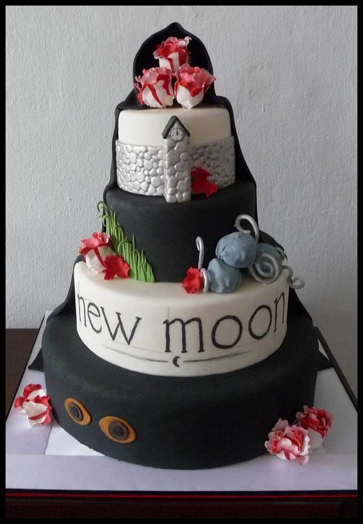 67 Best Twilight Cakes Images On Pinterest Twilight Cake Petit
