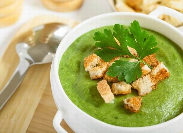 brokkoli kremleves