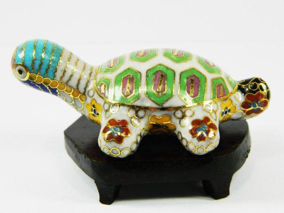 Mooie Vintage wit cloisonné koperen geëmailleerd dierlijke Tortoise schildpad beeldje met houten basis, Collectible decoratie, Chinese handwerk