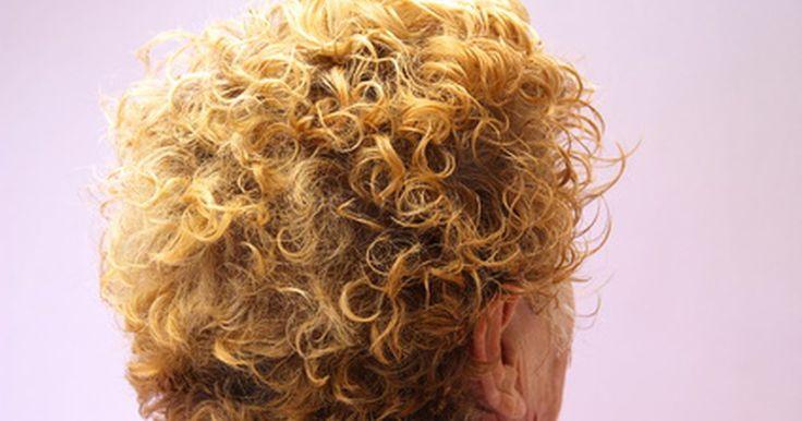 Reversión de la caída de cabello por metrotexato. La caída del cabello es un efecto secundario común del metotrexato y otros medicamentos para el cáncer y la quimioterapia. Si bien el cabello vuelve a crecer después de que un individuo deja de tomar la medicación, la vergüenza y la depresión de la pérdida del cabello puede ser difícil de tratar. Afortunadamente, las personas pueden poner en ...