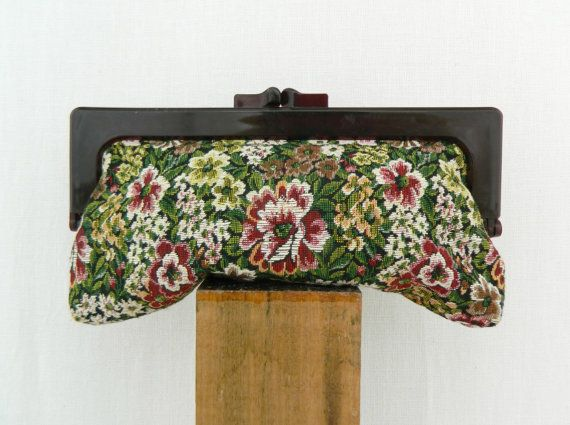 CLARA . vintage women's floral tapestry by ThePaisley5Vintage