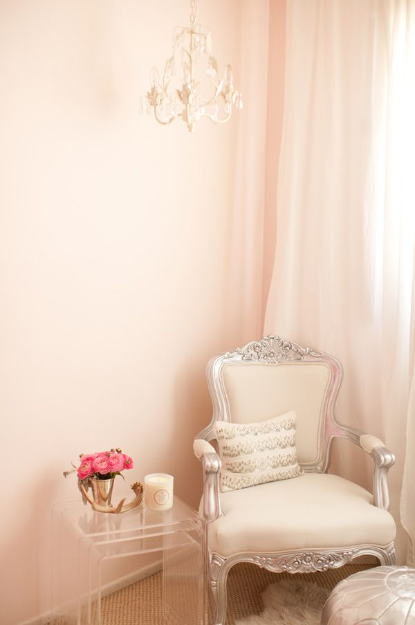 gorgeous nook: Girls Bedrooms, Soft Pink, Interiors Design, Catherine Sheppard, Pink Wall, Style At Home, Girls Rooms, Sit Area, Nests Tables