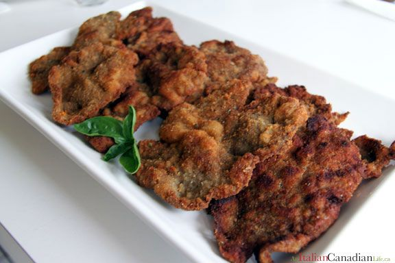 Classic Italian-Canadian fettini (breaded veal cutlet) recipe www.anitaliancanadianlife.ca