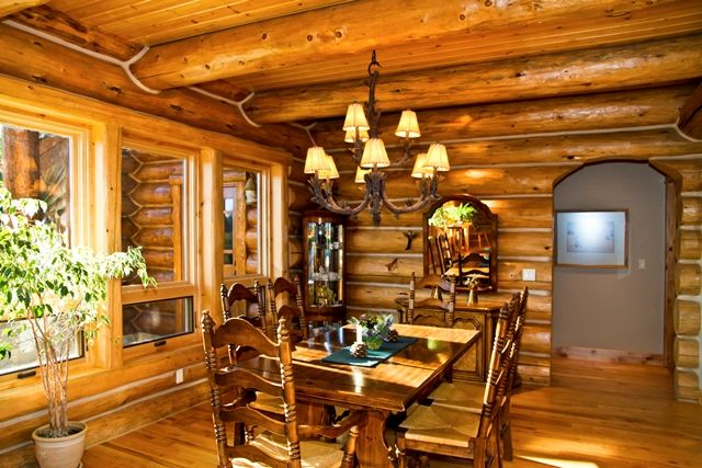 Beautiful Log Dining Room-Chink Style