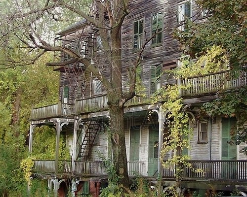 Bennington, Vermont. Poor thing is about to fall down.  It was an old inn back in the day.