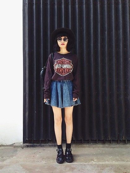 grunge, edgy, denim, skater skirt, skirt, boots, black, plum, sweater, sweatshirt, hat, fall