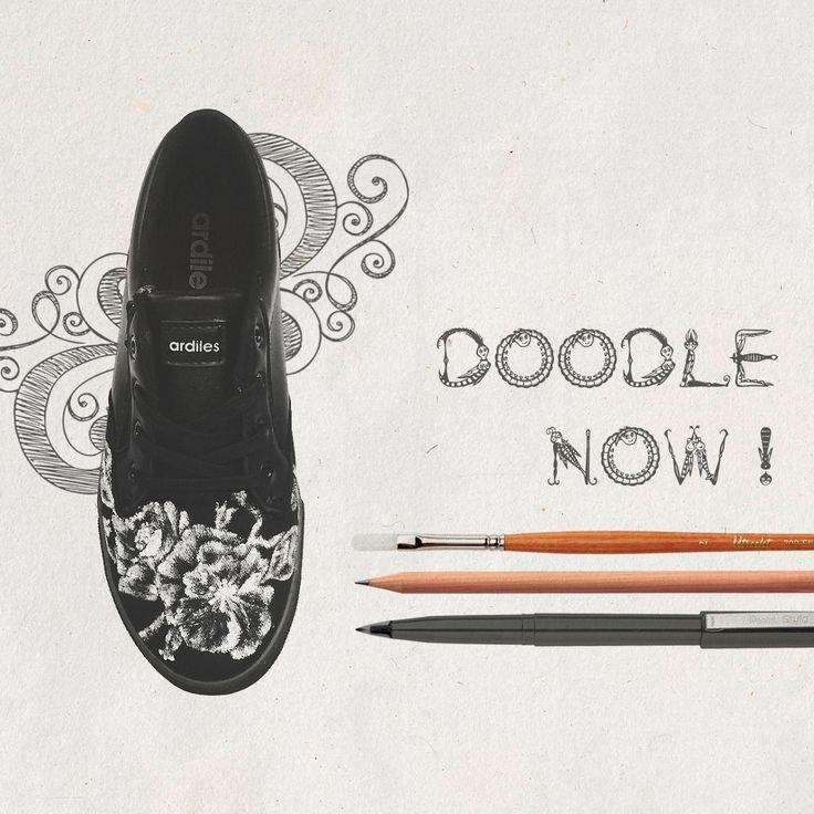 Hei, sudah pada ikutan lomba doodle Ardiles? Yang belum ayo segera kirim karyamu. Kamu bebas berkarya menggunakan apa pun yang kamu inginkan. Cat, spidol, pita, manik-manik, bahkan kancing semua bisa kamu manfaatkan untuk menghias sepatumu. Ayo bebaskan kreatifitasmu dan kirim sneakers kreasimu ke social media Ardiles Sneakers!