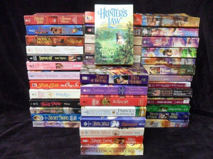 LOT: 47 HISTORICAL Romance Books Sexy Pb Novel,Stephanie Laurens,Johanna Lindsey