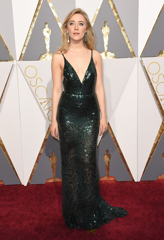 Saoirse Ronan  PHOTOS. Les plus belles robes du tapis rouge des Oscars 2016