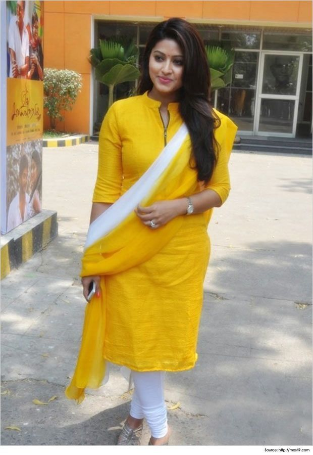 Sneha in Simple Salwar Kameez Design