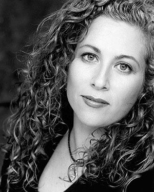 Jodi Picoult; anything written by this woman is worth reading, although some books are better than others.