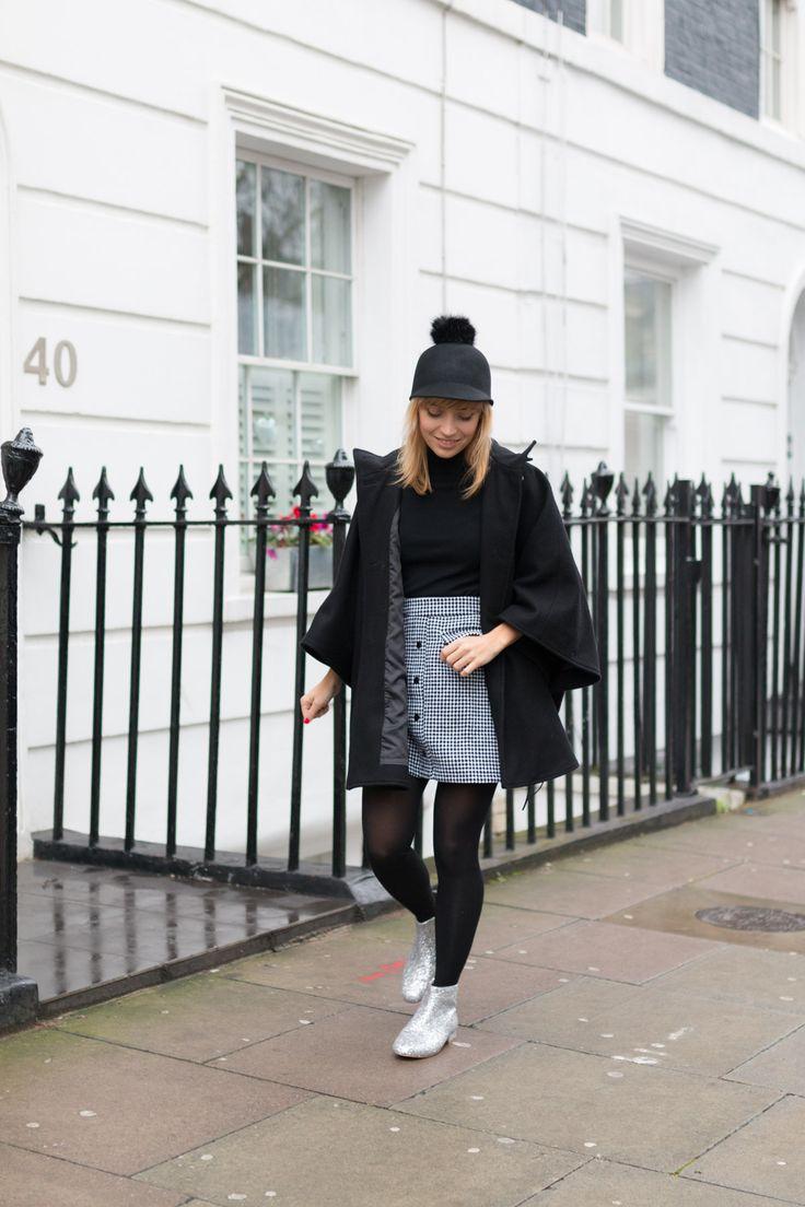 Blog mode Paris Look Sixties Casquette pompons et jupe vichy  I Sp4nkblog