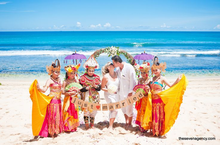 Pre-wedding photosession in Bali starting from 350 USD? You can have it with us,The Seven Agency! The choice is up to you. Either you want to have a sunset shoot on a private beach or you want to combine the best places in Bali for a huge diversity of pictures. Nothing is impossible!  #baliwedding #beachweddings #beach #wedding #bali