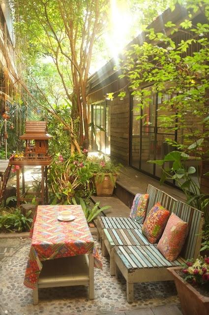BangkokNature Wood, Gardens Zon, Outdoor Dining, Wood Outdoor, Bangkok Cindymarch, Yards Gardens, Outdoor Gardens, Gardens Dreams, Bangkok Bangkok
