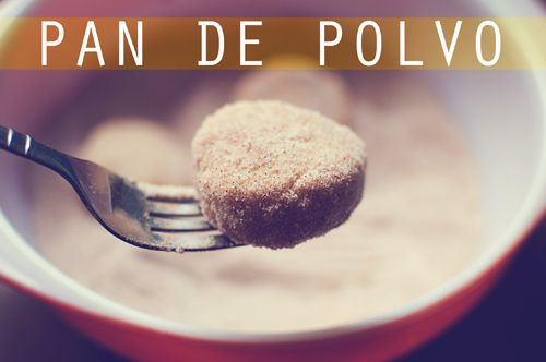 cookie recipe: pan de polvo (aka polvorones) // a Mexican tradition for Christmas. They're vegan!