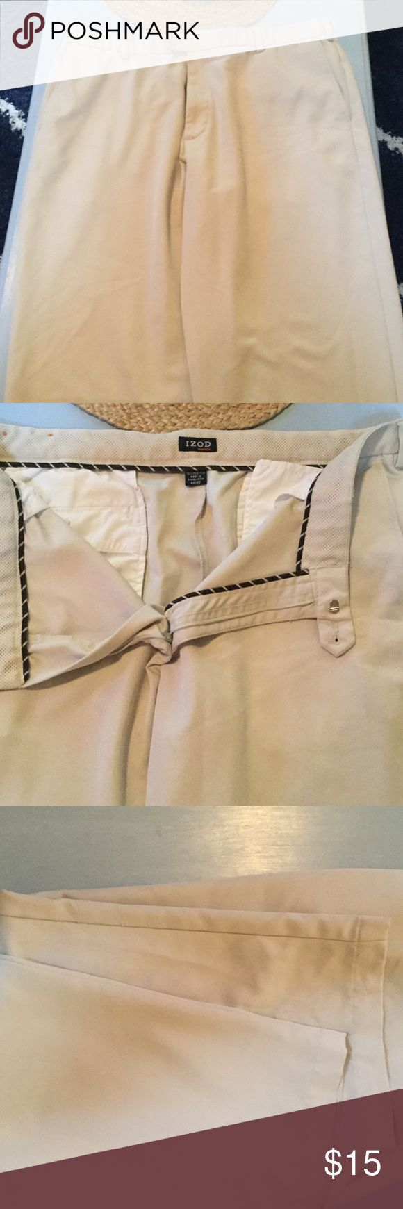 God shape lightweight Mens khakis Good shape lightweight cotton material khakis.  Small amount of peeling on one pant leg..otherwise great pair of pants. Pants Chinos & Khakis