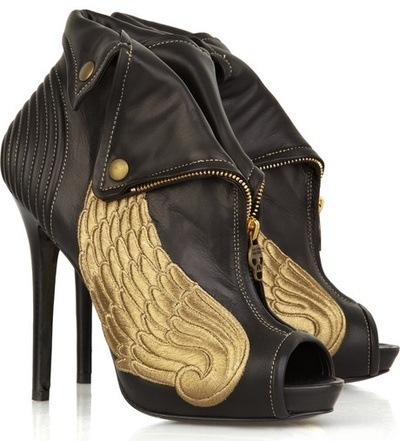 total pi phi moveShoes, Alexander Mcqueen, Fashion, The Hunger Games, Leather Boots, Alexandermcqueen, Ankle Boots, Greek God, Angels Wings
