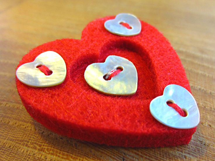 Red heart Brooch, Valentines Gift, Mother's Day Gift, UK Handmade Button Jewellery by Frankie And The Buttons on Etsy £6