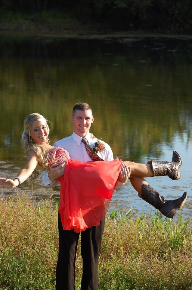 Prom with cowboy boots! Best Prom photography!