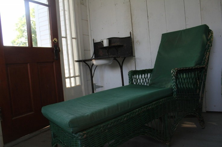Heywood Wakefield Chaise in very good condition and after all that gardening..well just do it curl up and read a good book! $395.00