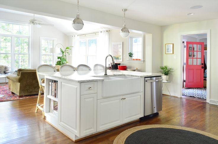 best 25 small house renovation ideas on pinterest small kitchen bar kitchen reno and subway. Black Bedroom Furniture Sets. Home Design Ideas