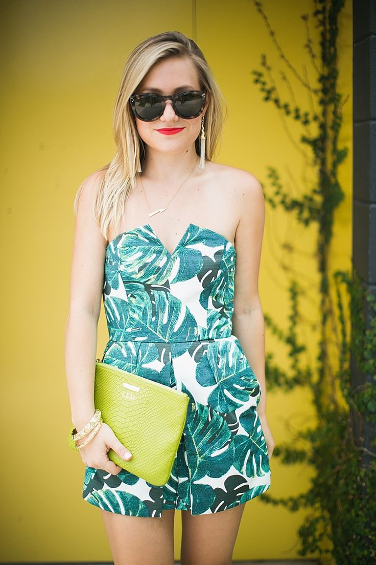 Love this palm print romper! Check out my favorite one via Southern Elle Style! http://www.shopsouthernelle.com/blogfeed/hawaii-travel-guide-oahu-maui