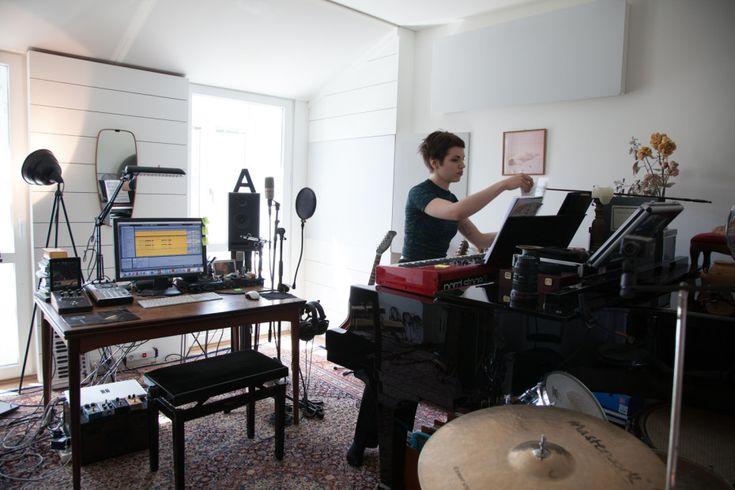 Freunde von Freunden — Anja Plaschg — Musician & Co-Founder of SOLFO, Apartment, Penzing, Vienna — http://www.freundevonfreunden.com/interviews/anja-plaschg/