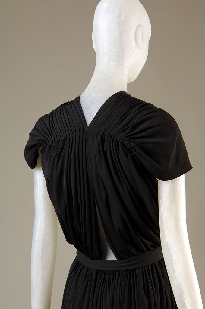 Detail, Claire McCardell rayon evening dress, circa 1939, New York, gift of Denise Otis | copyright MFIT. Photo by Eileen Costa