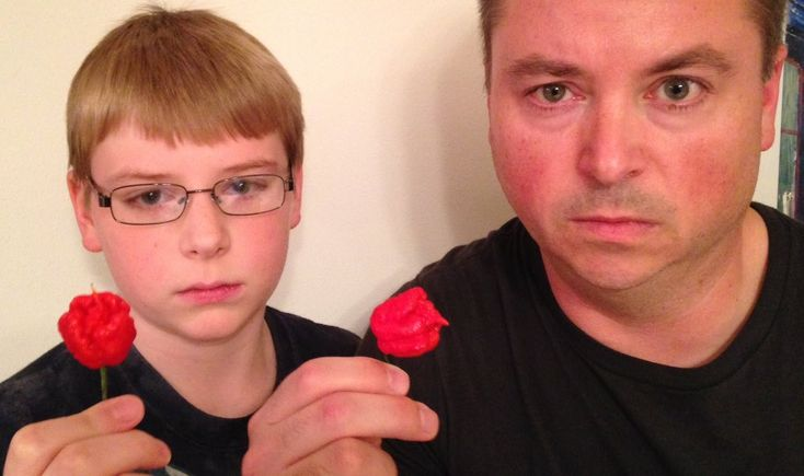 12-yr-old eats whole Carolina Reaper (Worlds Hottest Pepper) : Crude Bro...