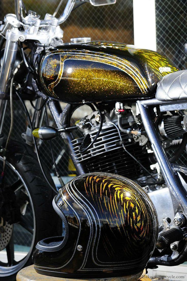 Metal flake tank and helmet