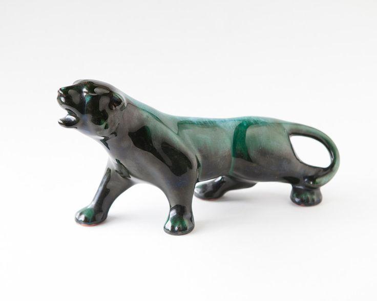"""Blue Mountain Керамика Panther. Это 11 """"длиной и 6"""" высокий."""