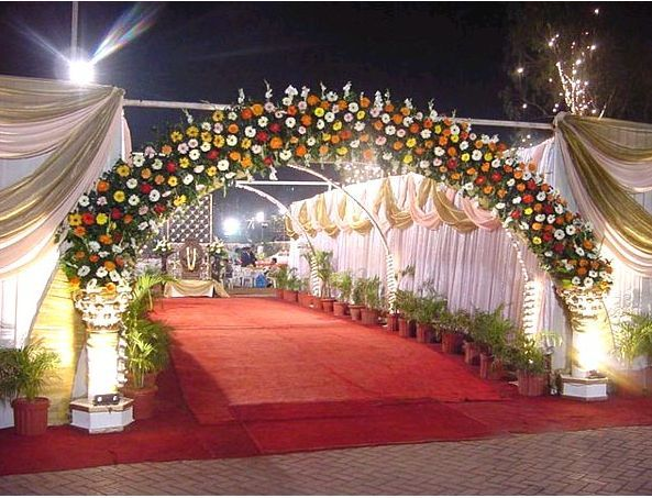 Beautiful wedding ceremony decorations wedding entrance for Wedding hall decoration items