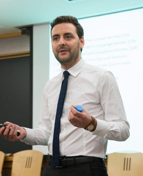 Livio Valenti è stato un economista alle Nazioni Unite, oggi è co-fondatore di Vaxess Technologies. Obiettivo: un'equa distribuzione dei vaccini nel mondo.