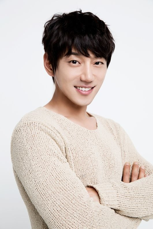 Singer Hwang Chi Yeol Opens Up About Being INFINITE's Vocal Trainer