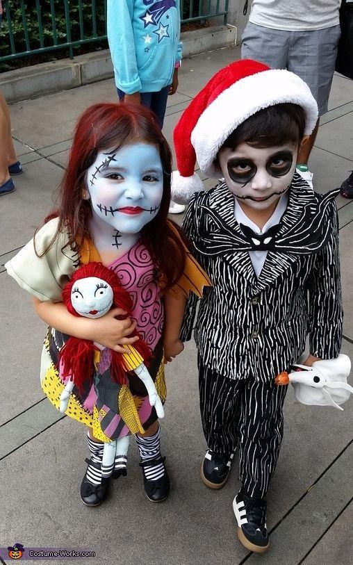 ジャックとサリーキッズコスチューム  仮装のお化粧が得意なママが腕をふるったメイクですね。