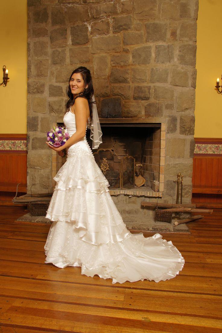 # vestido novia Cynthia # corte en tres pisos # Cola desmontable