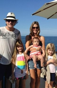 Me and my ex wife Denise Richards with kids.. :) Was a nice holiday...
