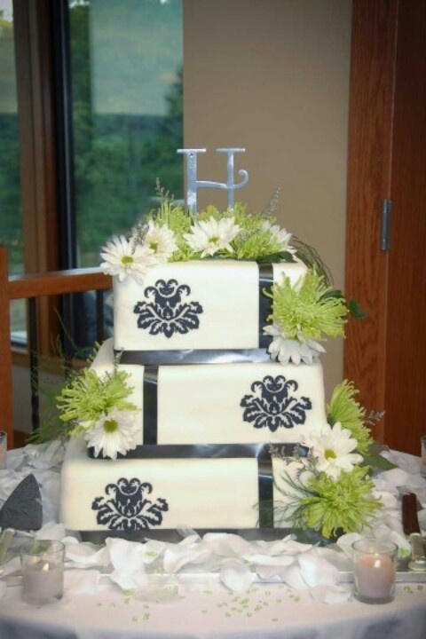 lime green and orange wedding cakes black white damask and lime green wedding cake ideas 16898