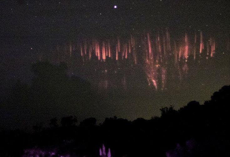 В Пуэрто-Рико засняли редчайшее атмосферное явление - спрайты (4 фото)  http://nlo-mir.ru/palnetazemla/47881-sprajty.html