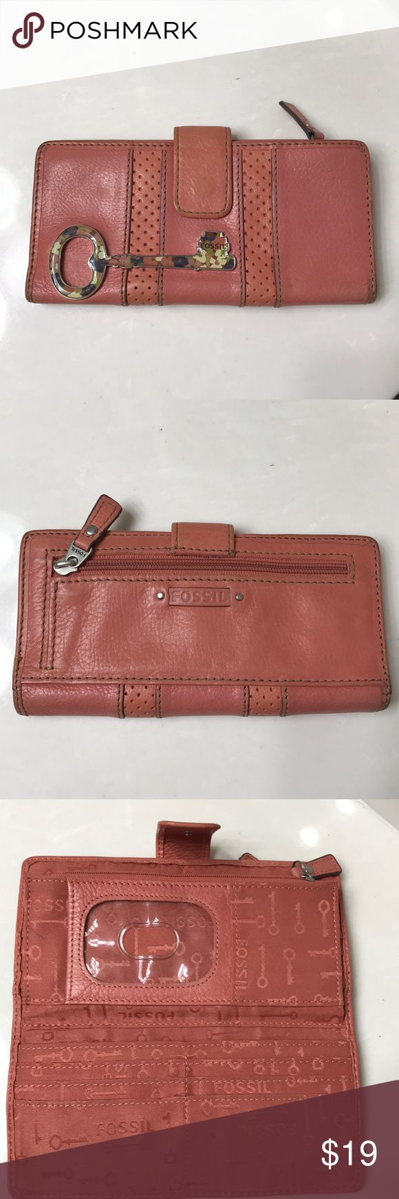 Fossil wallet Fossil Wallet perfect for Spring! Gently used. Fossil Accessories Key & Card Holders